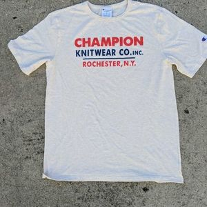 Champion Graphic T-Shirt Beige Red Heathered Large
